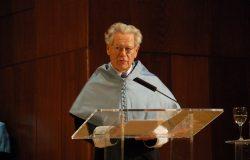 """Hans Küng, il """"ribelle"""" che non lasciò la Chiesa"""